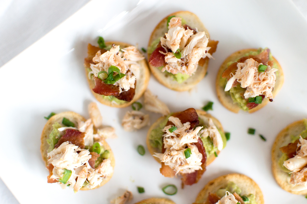 All the flavors here will make those tastebuds have a party! Bacon + crab + avocado = deliciousness fo sho!